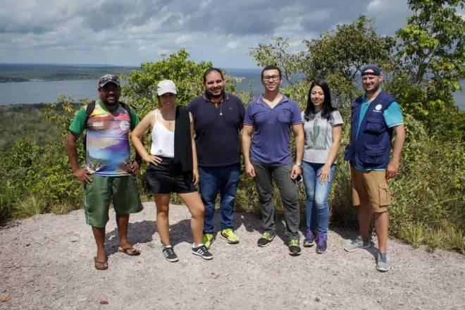 Equipe na Serra da Piraoca