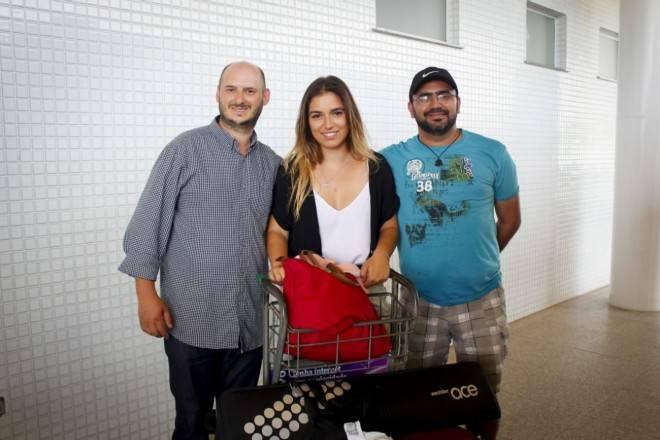 Jornalistas no Aeroporto de Santarém na volta para Belém