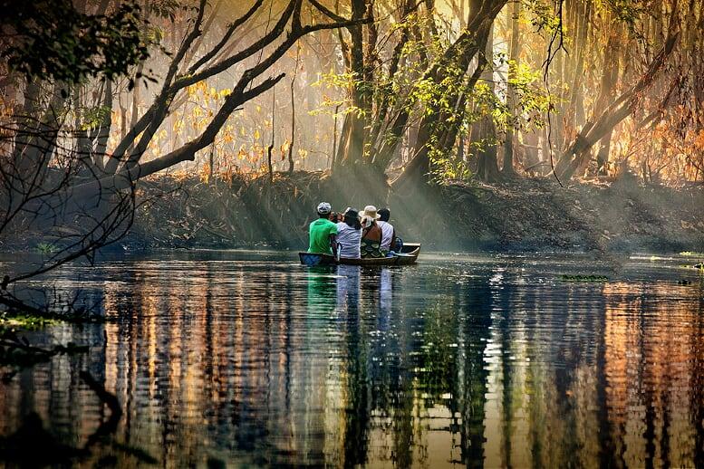 1o-lugar-categoria-fotojornalismo-2017-celso-lobo-fotografo-leva-imagens-da-amazonia-para-a-europa