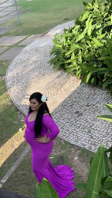 Modelo grávida posando no Mangal das Garças (Foto: Rogério Almeida)