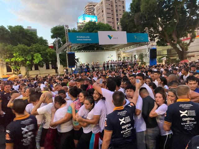 Multidão (Foto: Rogério Almeida)