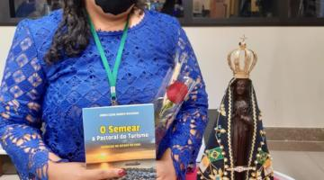 """Janes Jaques em Aparecida: lançamento do livro """"Semear a Pastoral do Turismo: Vivências no Pará"""